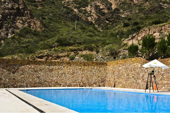 service_piscina_720x480_aguas_dsc0004