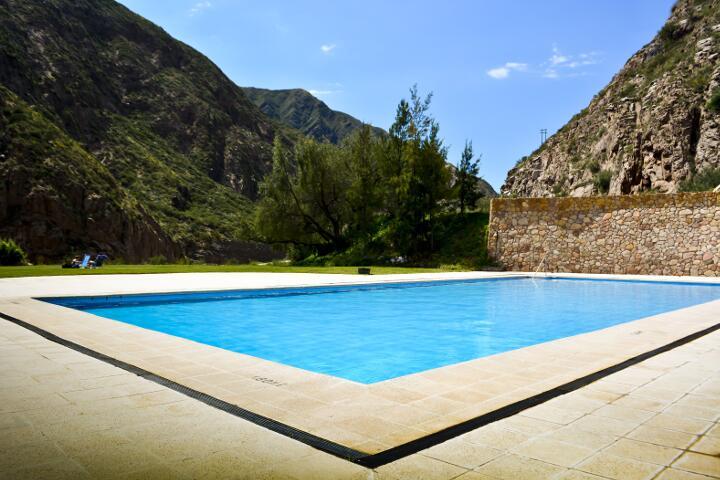 service_piscina_720x480_aguas_dsc0006