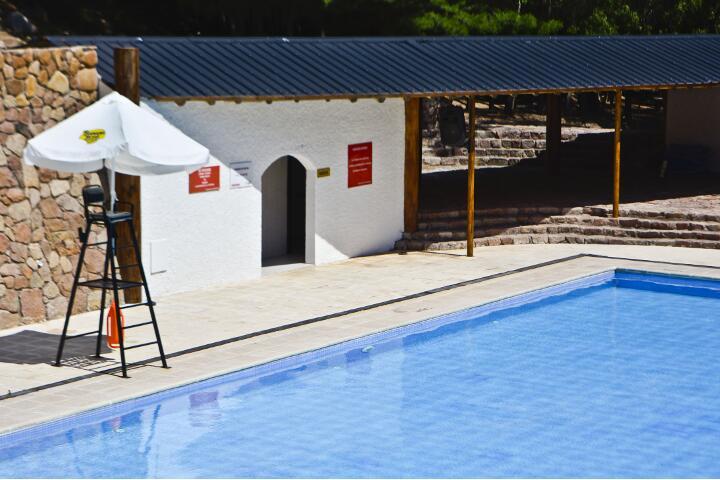 service_piscina_720x480_aguas_dsc0022