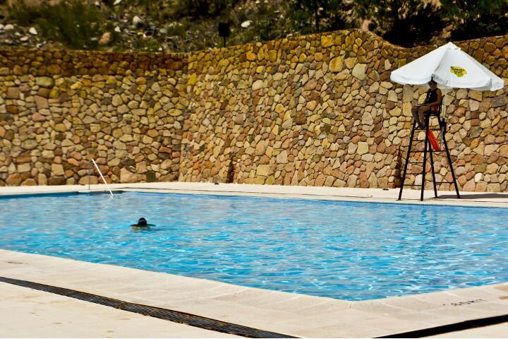service_piscina_720x480_aguas_dsc0098