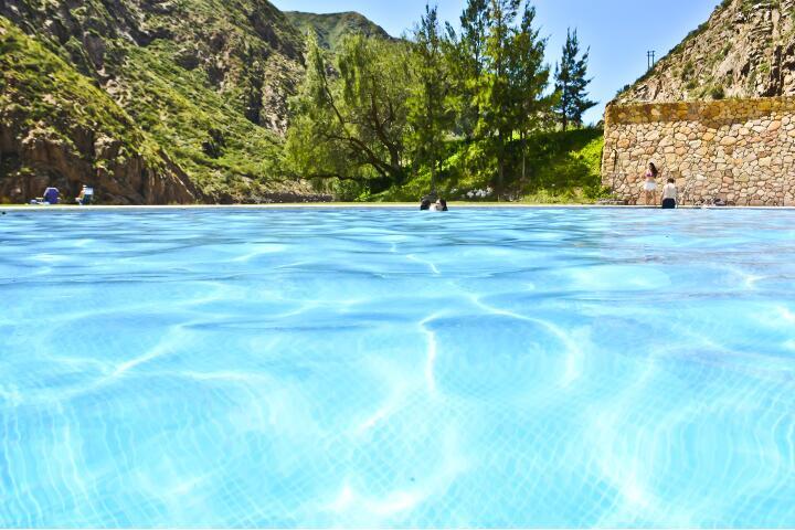 service_piscina_720x480_aguas_dsc0114