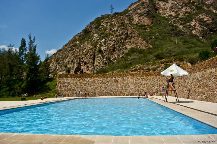 service_piscina_720x480_aguas_dsc0129